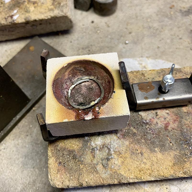 dierbaar-goud-smelten-voor-sieraden