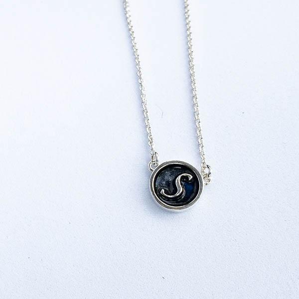initial-zilveren-ketting