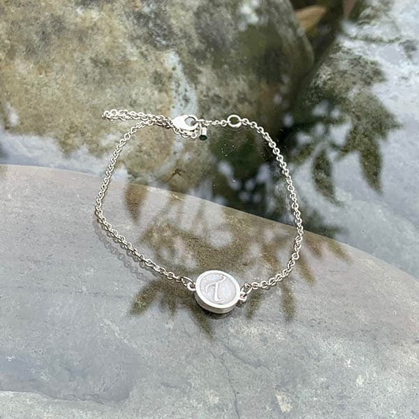 Initial-armband-moedermelk-zilverfoliesnippers
