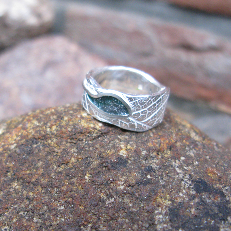 Be-Leaf-ring-met-moedermelk