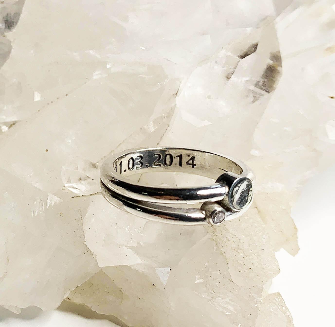 ring-zilver-met-as-en-briljant