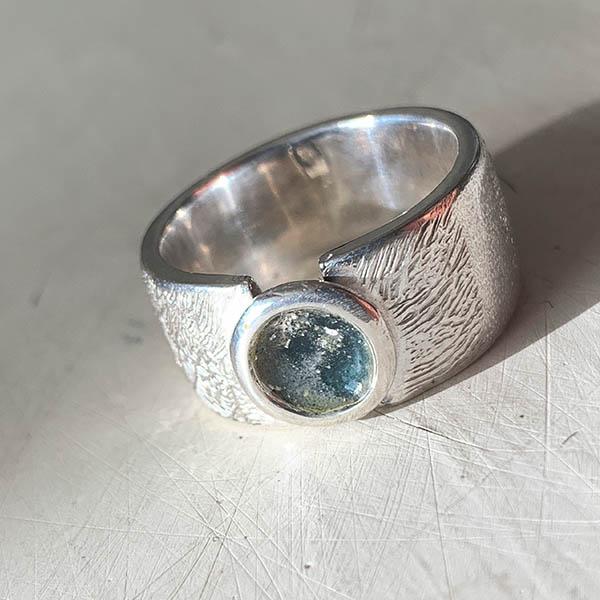 ring-met-vingerafdruk-as-en-kleur